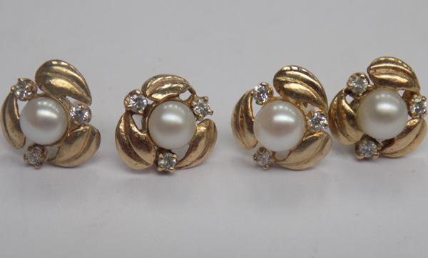 2x Pairs 9ct gold genuine Pearl & cz ladies earrings