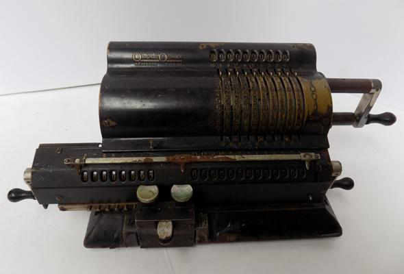 Original Odhner Goteborg Sverige mechanical calculator-model 27 serial no 39-869109 made in Sweden c1920