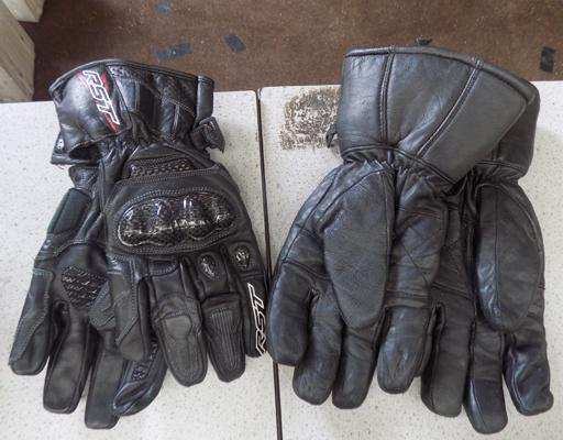 2x pairs of motorbike gloves