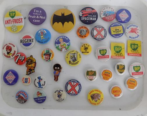 Selection of 1950's/60's badges, incl. Golly badge