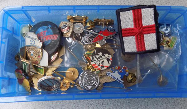 Over 40 football badges (foreign and English)