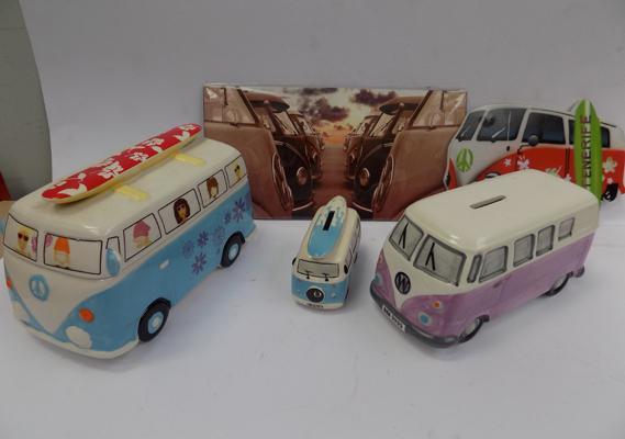Box of VW collectables, incl. money box