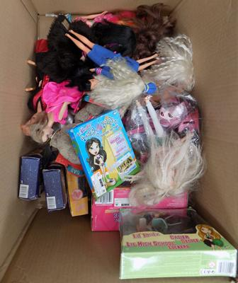 Box of dolls & accessories