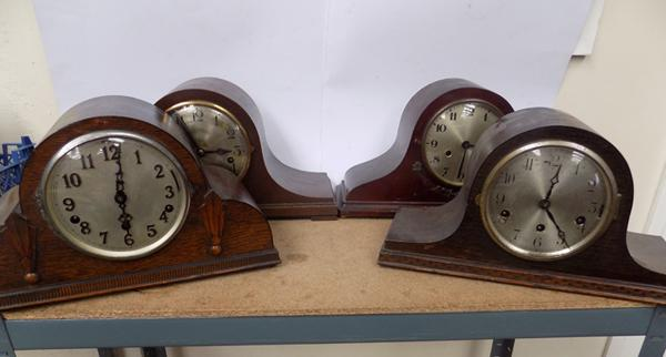 Collection of vintage oak framed chiming mantle clocks, mainly 1940's, incl. Smiths