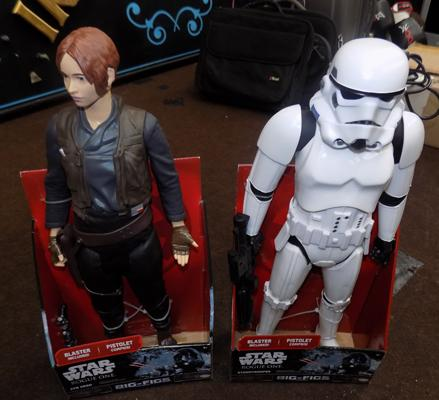 Two Star Wars figures