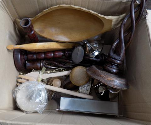 Box of treen & others