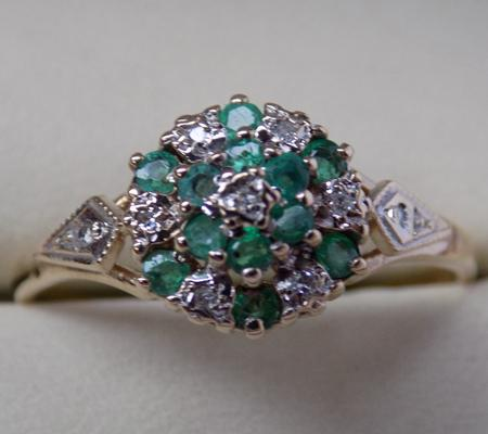 9ct Gold emerald & diamond ring size approx S1/2