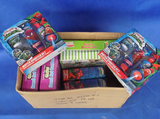 Box of mixed toys, incl. Spiderman
