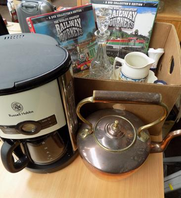 Mixed box of items incl. copper kettle