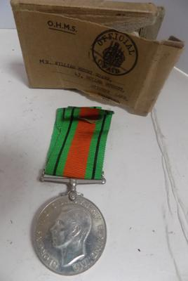 WWII defence medal with box