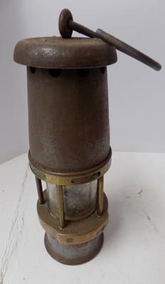 Vintage Wolf safety lamp (Maurice) Ltd Sheffield baby Wolf MB