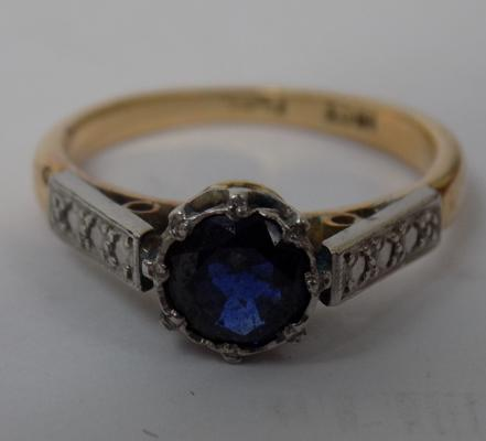 18ct Gold & platinum ring with large blue stone approx size I approx 3.1gms