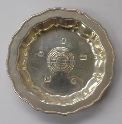1977 solid silver pin tray Sheffield makers mark (approx 52 grams)