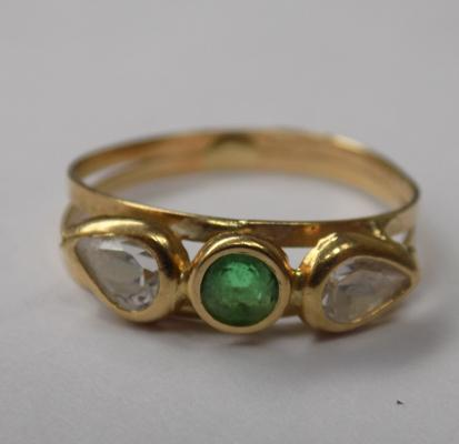 Unusual 18ct gold ring - approx. 1.5 grams