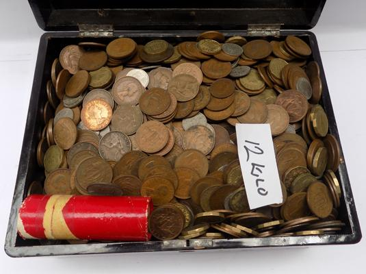 12 Kg of mixed coins from Victoria to Queen Elizabeth II