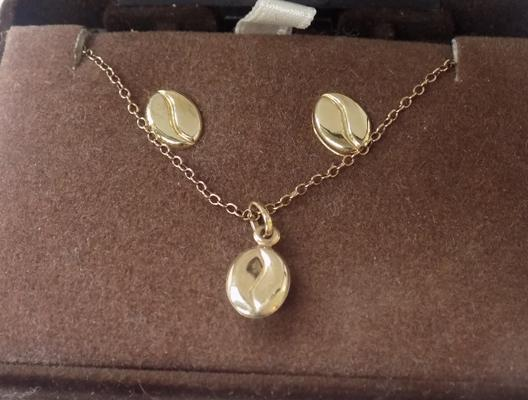 9ct gold chain with coffee bean pendant & matching earring set