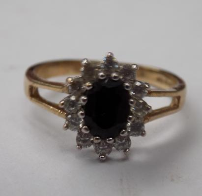 9ct gold stone ring, approx. 3.1 grams
