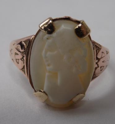 9ct rose gold cameo ring - size R 1/2