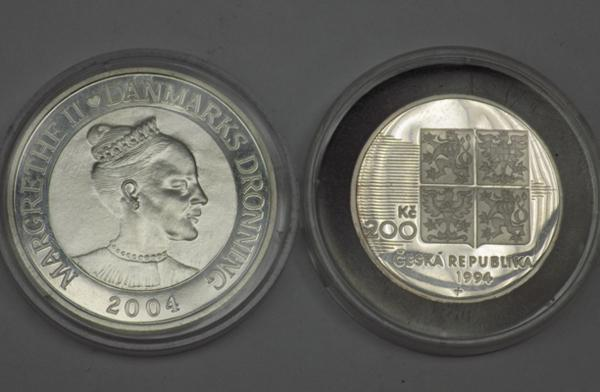 2x Silver coins-D day & 200 Kroner