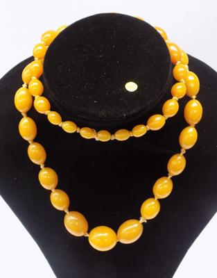 Large amber coloured necklace-approx 90gms