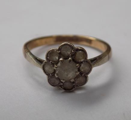 Vintage 9ct gold and diamond cluster ring, approx. 2 grams