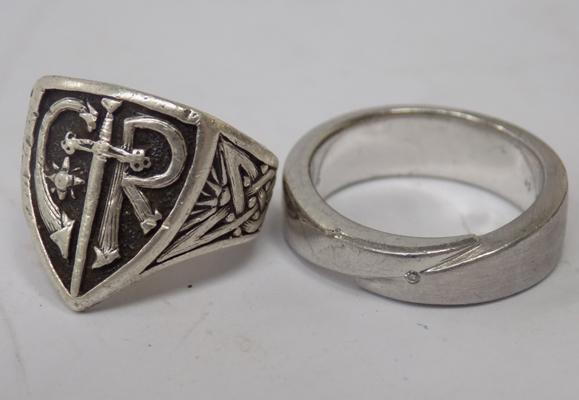 925 silver ring and white metal ring