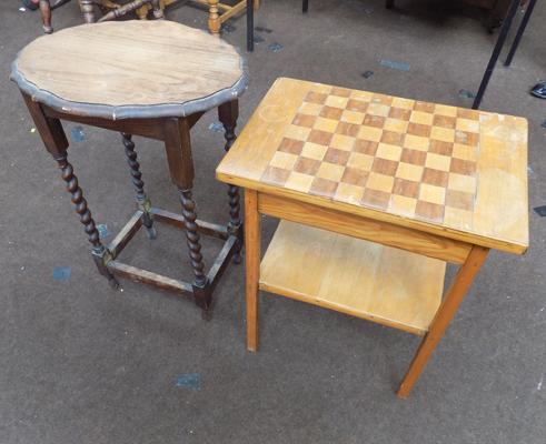Two wooden sidetables