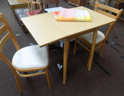 Small drop leaf table with two chairs & table cloth - vintage