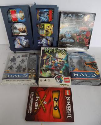 Box of collectable toys - incl. Halo, Dr Who cards