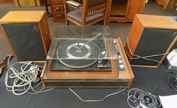 Gerrard 2025T LP player with speakers