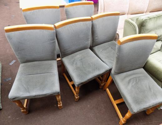 set of 6 chairs inc 2 carvers