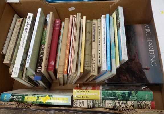 Approx. 25 books of the Lake District & Yorkshire dales + approx. 15 booklets & maps