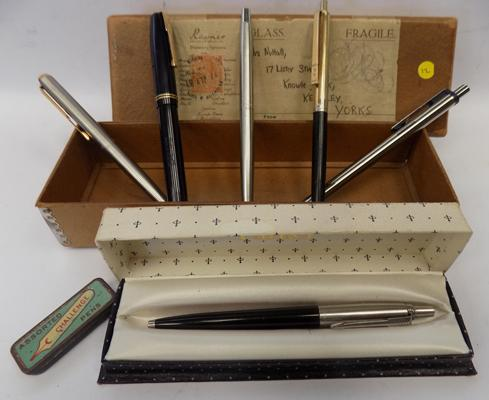 Vintage Waterman's fountain pen with 14ct gold nib + tin of spare nibs, five ballpoint pens - Parker/Papermate