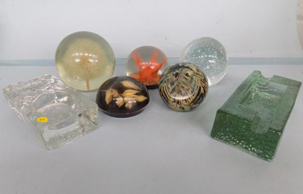 5 paper weight and whitefriers style glass pieces