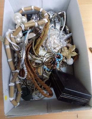 Box of costume jewellery & watches