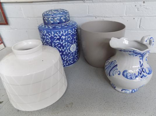 4 large pieces of pottery