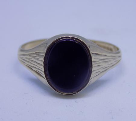 9ct gold black onyx signet ring, size S