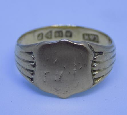Antique 18ct gold signet ring - Chester 1918