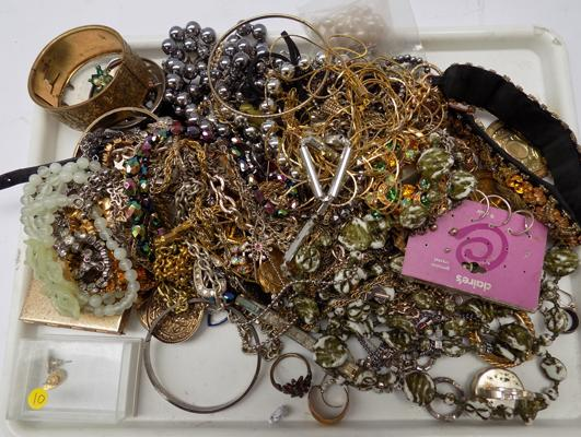 Tray of vintage costume jewellery including silver