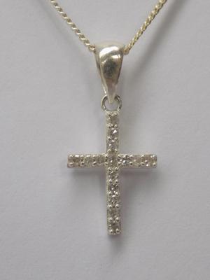 0.10ct diamond gemporia silver necklace and cross pendant