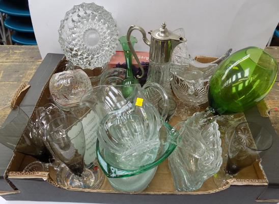 Box of mixed cut glass and crystal