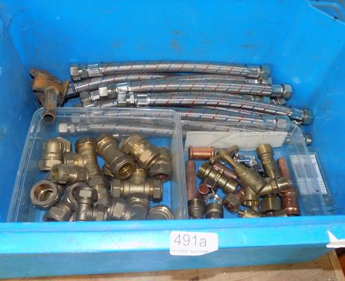 Blue tub of plumbing items incl. flexi fittings