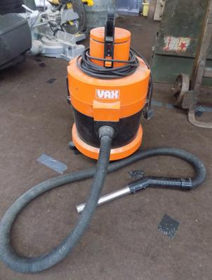 VAX hoover in W/O