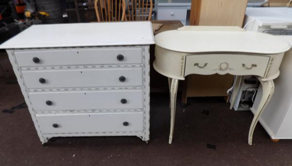 Dressing table & drawers