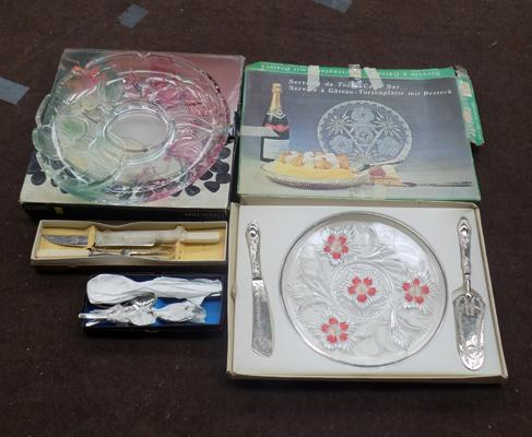 Mixed lot of cutlery, serving plate- glass