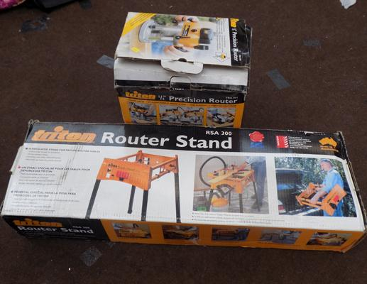 Triton boxed router in W/O & router stand