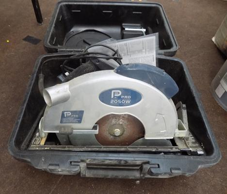 Pro 2050W circular saw in W/O with case