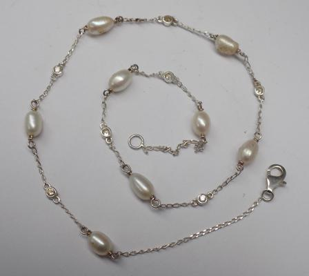 Silver and real pearl necklace