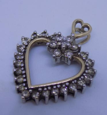 9ct Gold & diamond heart pendant - 3.8 grams approx.