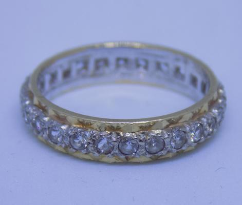9ct gold full eternity ring, size M 1/2